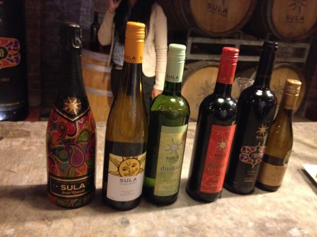 6種類のワインが試飲できます。写真の手ブレは酔っぱらっているせいです。