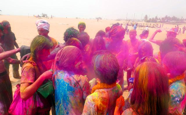 ビーチで色粉