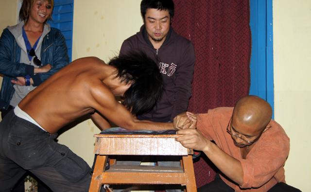 腕相撲大会で優勝とか